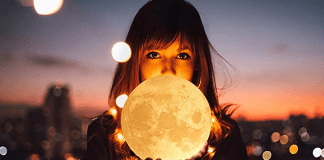 Best Moon Lamp Reviews